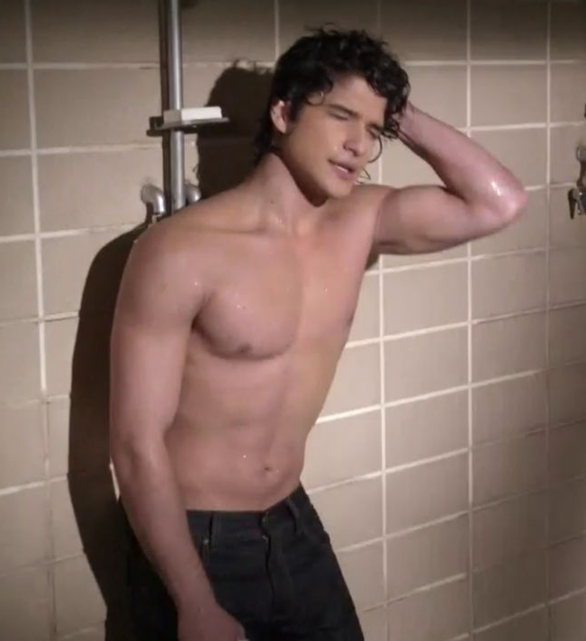 Tyler hoechlin don 39 t waste your pretty for How to shower with a new tattoo